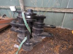 Large sized concrete muncher jaws on 90mm pins
