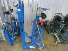 GENIE SLA25 5SECTION CABLE OPERATED MATERIAL LIFT HOIST UNIT C/W FORKS, YEAR 2016 BUILD, DIRECT EX L