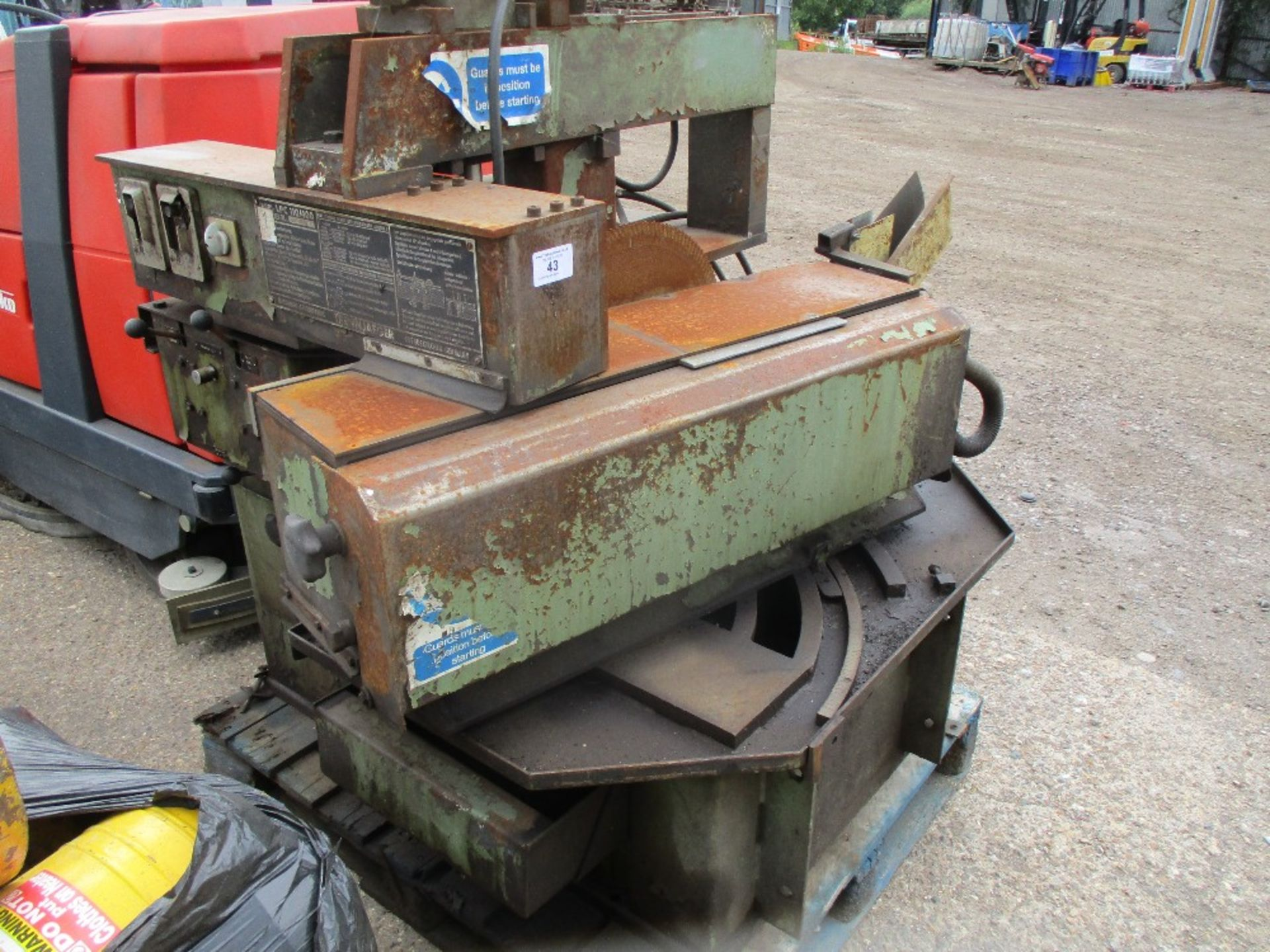 Lot 43 - Upstroking saw table