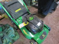 "JOHN DEERE R52VB PEDESTRIAN MOWER WITH BAG COLLECTOR. UNUSED. 21"" CUT"
