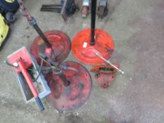 3 X RIGID STANDS, PIPE VICE & PRESSURE PUMP.