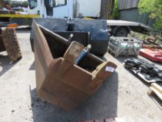 V trench bucket for 35tonne excavator