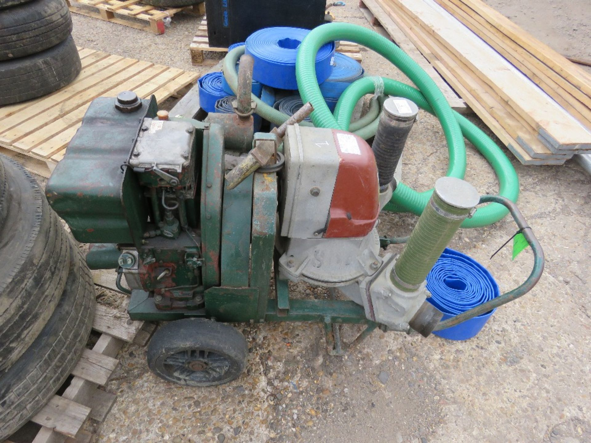 HILTA HANDLE START WATER PUMP. LISTER ENGINE. WITH HOSES AND STARTING HANDLE. DIRECT FROM LOCAL COMP - Image 2 of 2