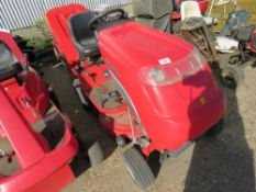 COUNTAX C350H RIDE ON MOWER WITH COLLECTOR. WHEN TESTED WAS SEEN TO START, RUN, DRIVE AND MOWERS TU