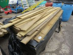 PALLET OF FEATHER EDGE TIMBER, ASSORTED SIZES APPROX 1.5 - 2.25M.