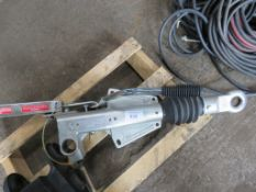 INDESPENSION 2700 KG RATED HITCH ASSEMBLY, UNUSED.