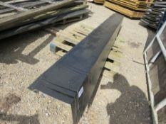 APPROX 17 X BLACK BOX PROFILE EDGE TRIMS AT 3M LENGTH. DIRECT FROM DEPOT CLOSURE.