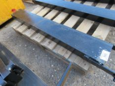 FORKLIFT ATTACHMENT FOR TRAILER RING HITCH TO SUIT 1 M LONG FORK.