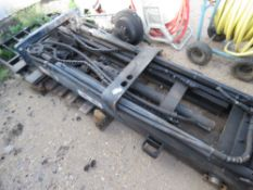3 STAGE FORKLIFT MAST WITH SIDE SHIFT, CLOSED HEIGHT 2.1M APPROX.