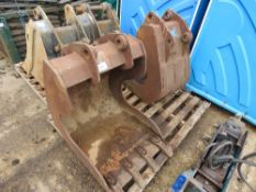 """2 X CLAY SCOOP TYPE BUCKETS 24FT AND 18"""" ON 45MM PINS. DIRECT EX LOCAL COMPANY DUE TO SLOW DOWN IN B"""