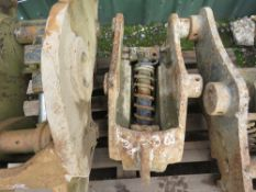 8TONNE MANUAL QUICK HITCH,45MM PINS, UNTESTED.