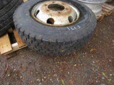 1 X 235/75R17.5 WHEEL AND TYRE.