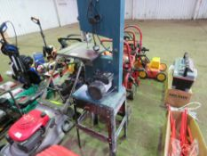 240VOLT SMALL SIZED BANDSAW.