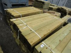 LARGE BUNDLE OF FEATHER EDGE TIMBER FENCE CLADDING @1.8M LENGTH X 10.5CM WIDE APPROX.