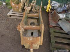 20TONNE HYDRAULIC QUICK HITCH, 80MM PINS, UNTESTED.