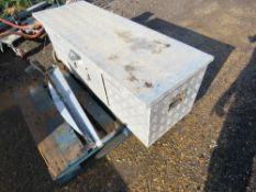 """PAXTON TRAILERS ALUMINIUM TOOL BOX FOR TRAILER OR TRUCK 4FT6"""" WIDE APPROX."""