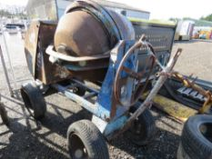 BLUE BIG DRUM DIESEL HANDLE START CEMENT MIXER WITH HANDLE. WHEN TESTED WAS SEEN TO START RUN AND MI