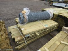 PACK OF 1.8M LENGTH FENCING BOARDS PLUS A ROLL OF WIRE NETTING AND A SMALL PACK OF FEATHER EDGE TIMB