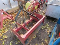 BOX GRADER 4FT WIDE APPOROX FOR COMPACT TRACTOR 3 POINT LINKAGE.