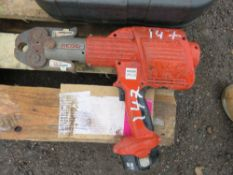 RIDGID RP300 BATTERY CRIMPER WITH NOVOPRESS HEAD, CONDITION UNKNOWN.