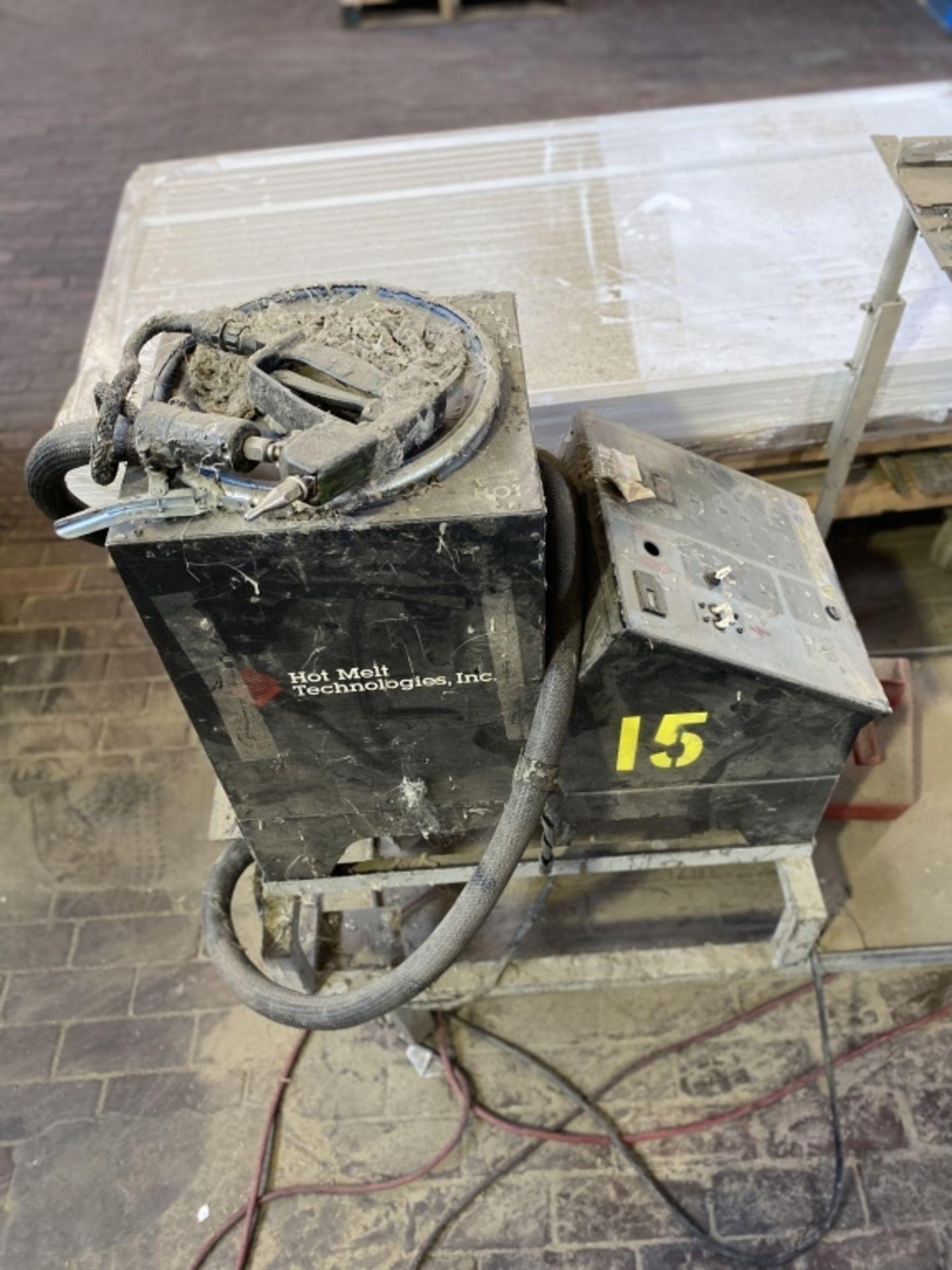 Lot 1006b - Hotmelt Technologies Hot Melt Machine