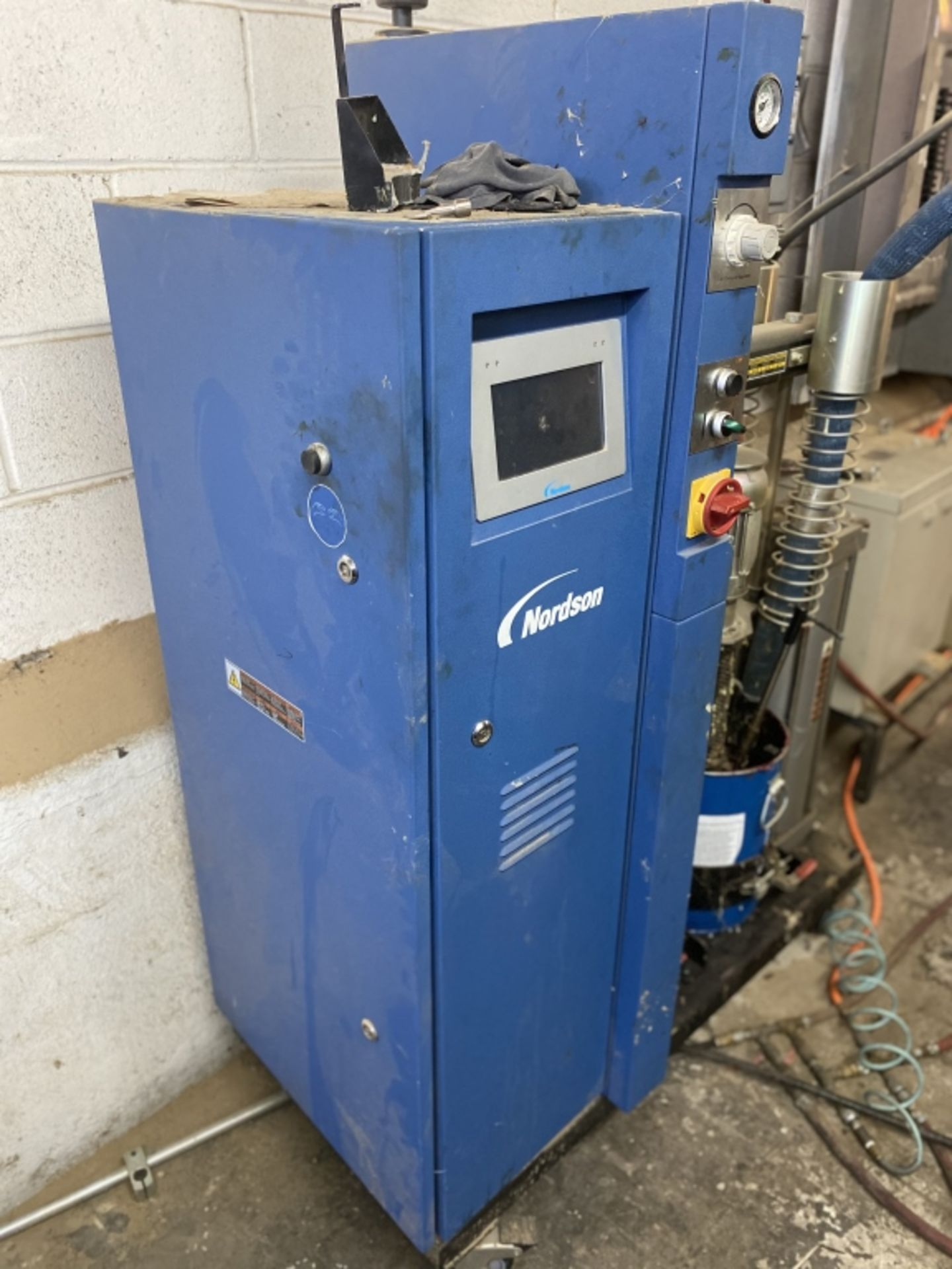 Lot 1013 - Nordson Glue Melter & Pump