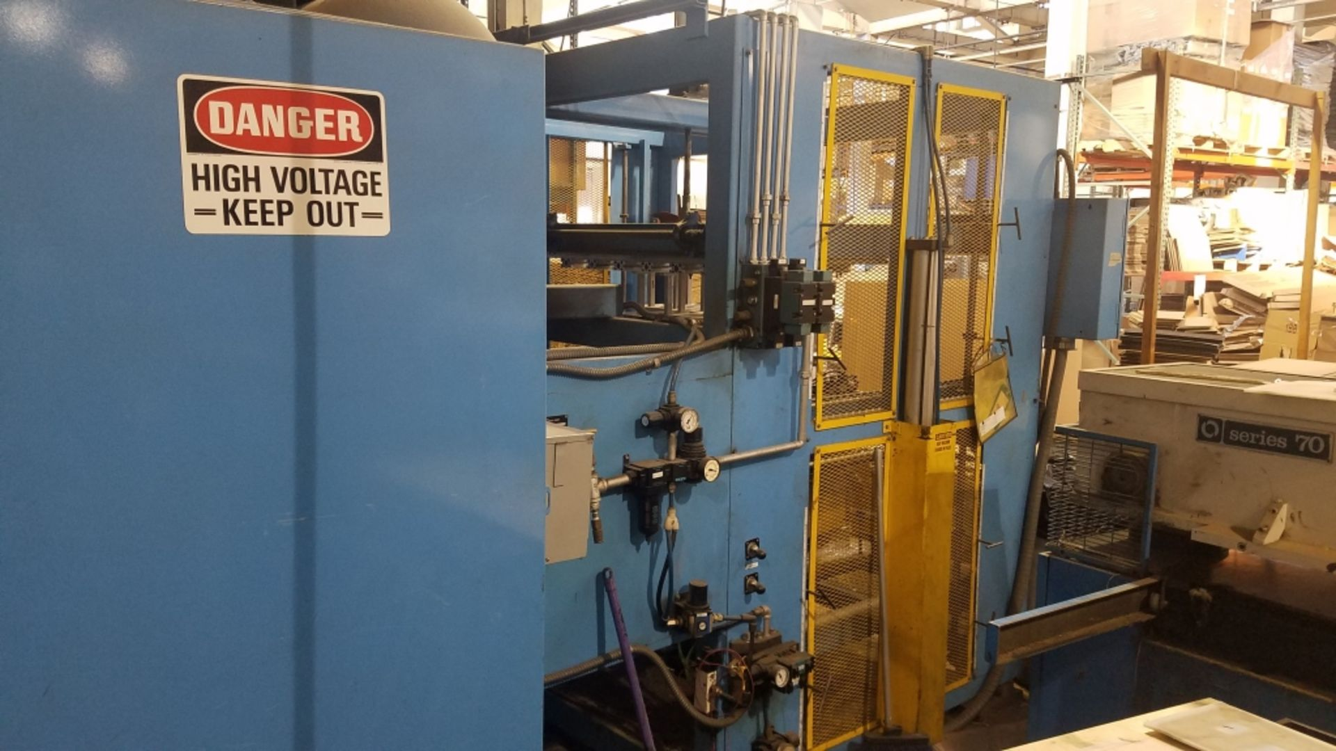Lot 1025 - Frugal Deluxe Vacuum Frame