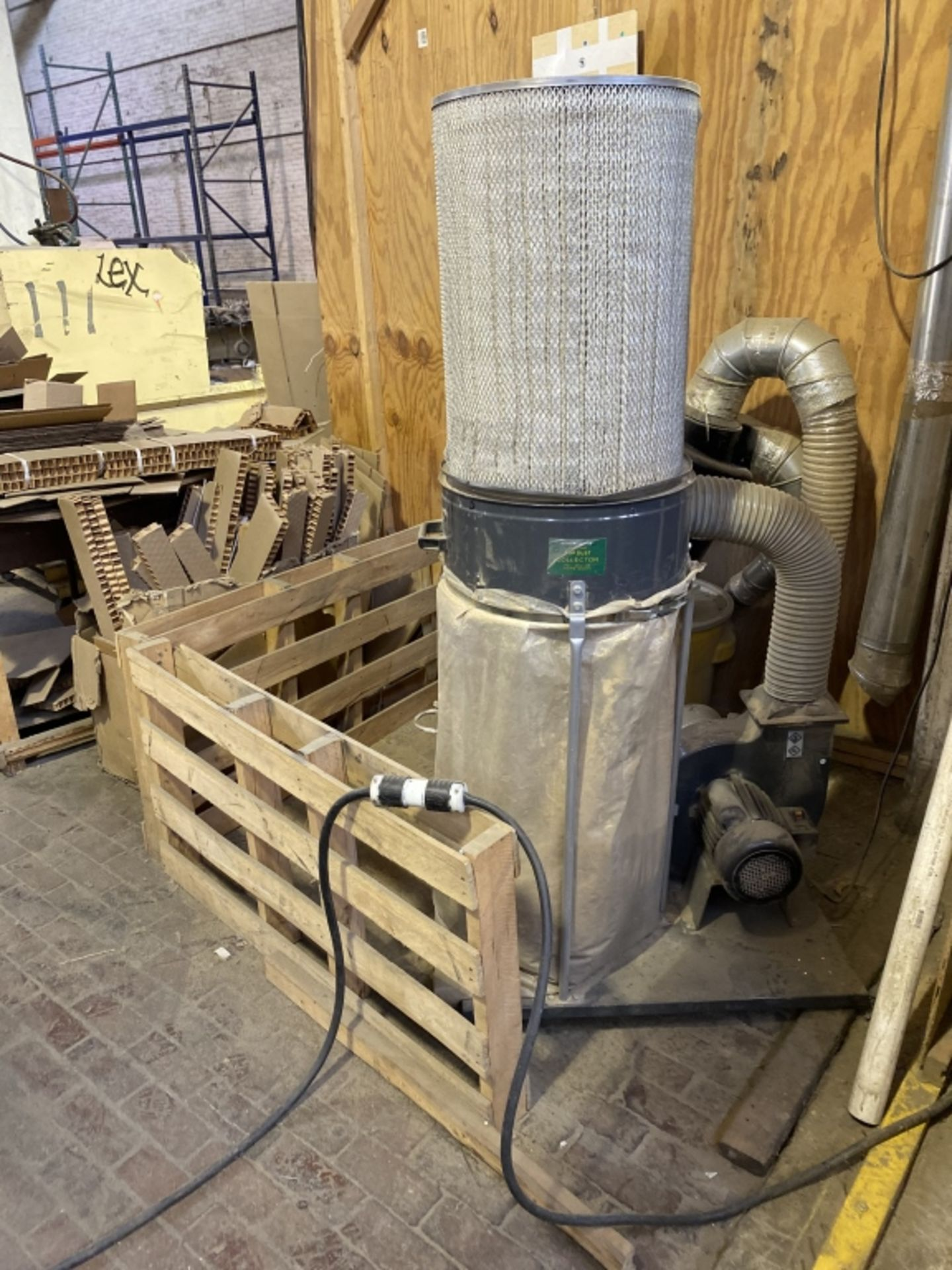 Lot 1026 - Central Machinery 2-Bag Dust Collector
