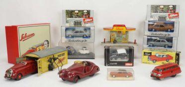 Schuco Set Garage, Service Station und Autos