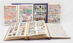 Ca. 7450 Briefmarken aus aller Welt