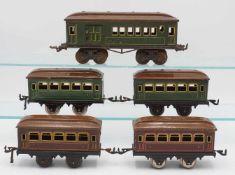 Fünf Bing Reisezugwagen
