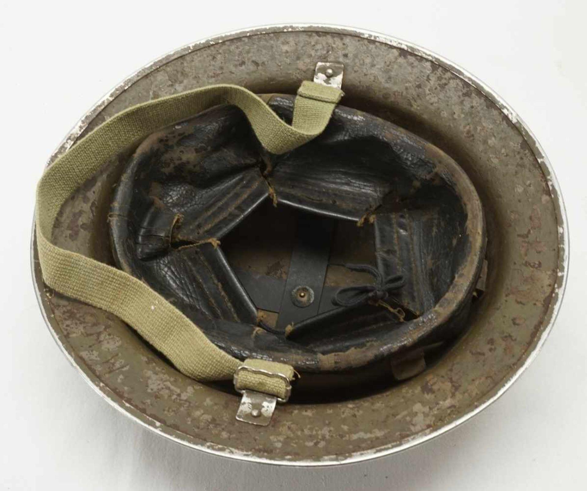 Konvolut von drei Helmen - Bild 5 aus 7