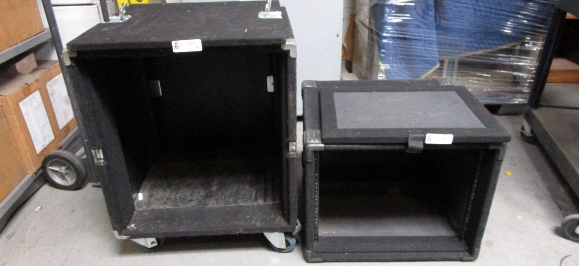 Lot 7 - LOT OF 2 TRAVEL CASES