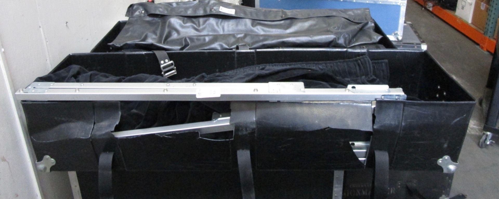Lot 13 - BLACK DRESS KIT