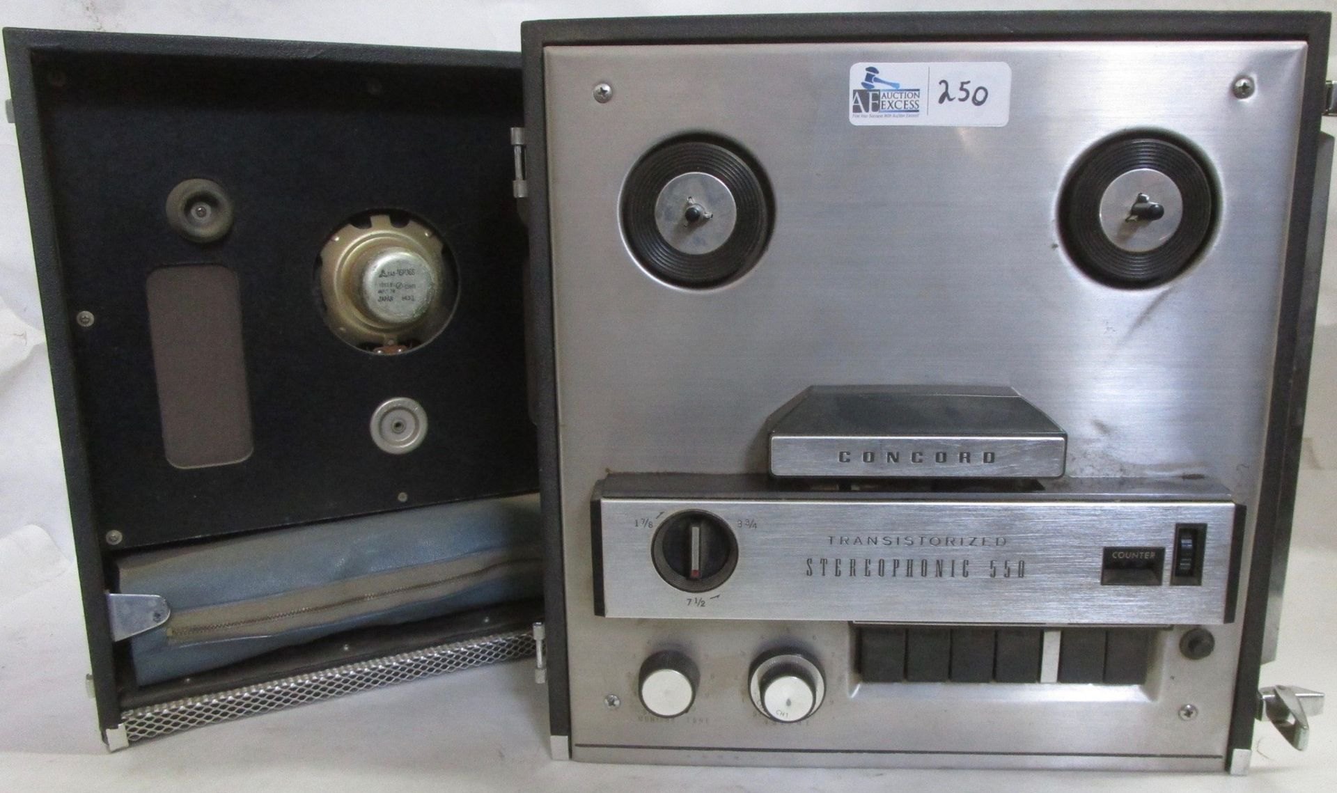 Lot 250 - CONCORD STEREOPHONIC 550