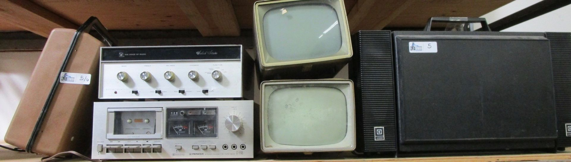 Lot 5 - LOT OF 6 VINTAGE ELECTRONICS INCLUDING RCA/GE/EMERSON