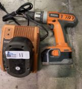 RIGID 14.4 VOLT CORDLESS DRILL WITH CHARGER
