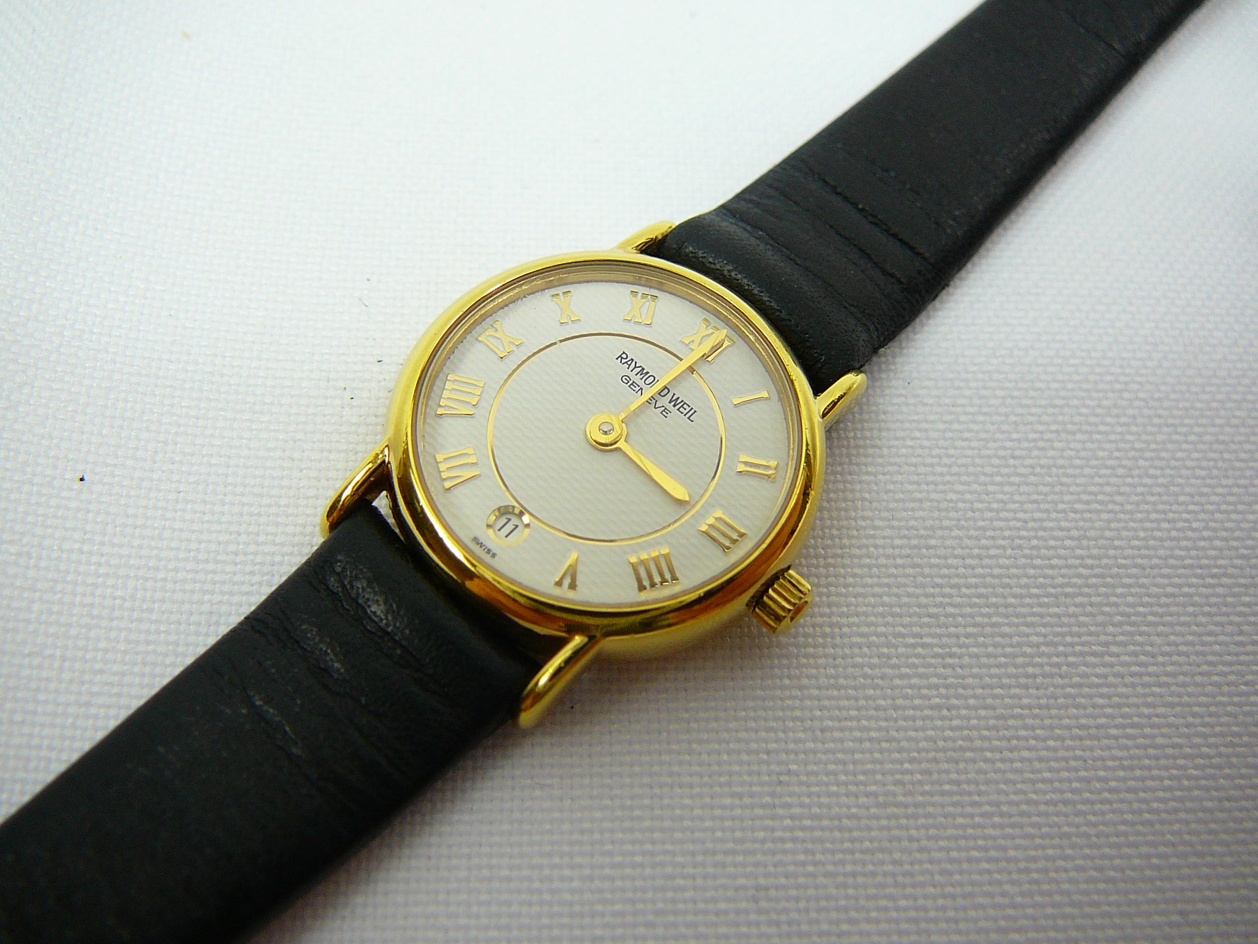 Lot 2 - Ladies Raymond Weil wrist watch