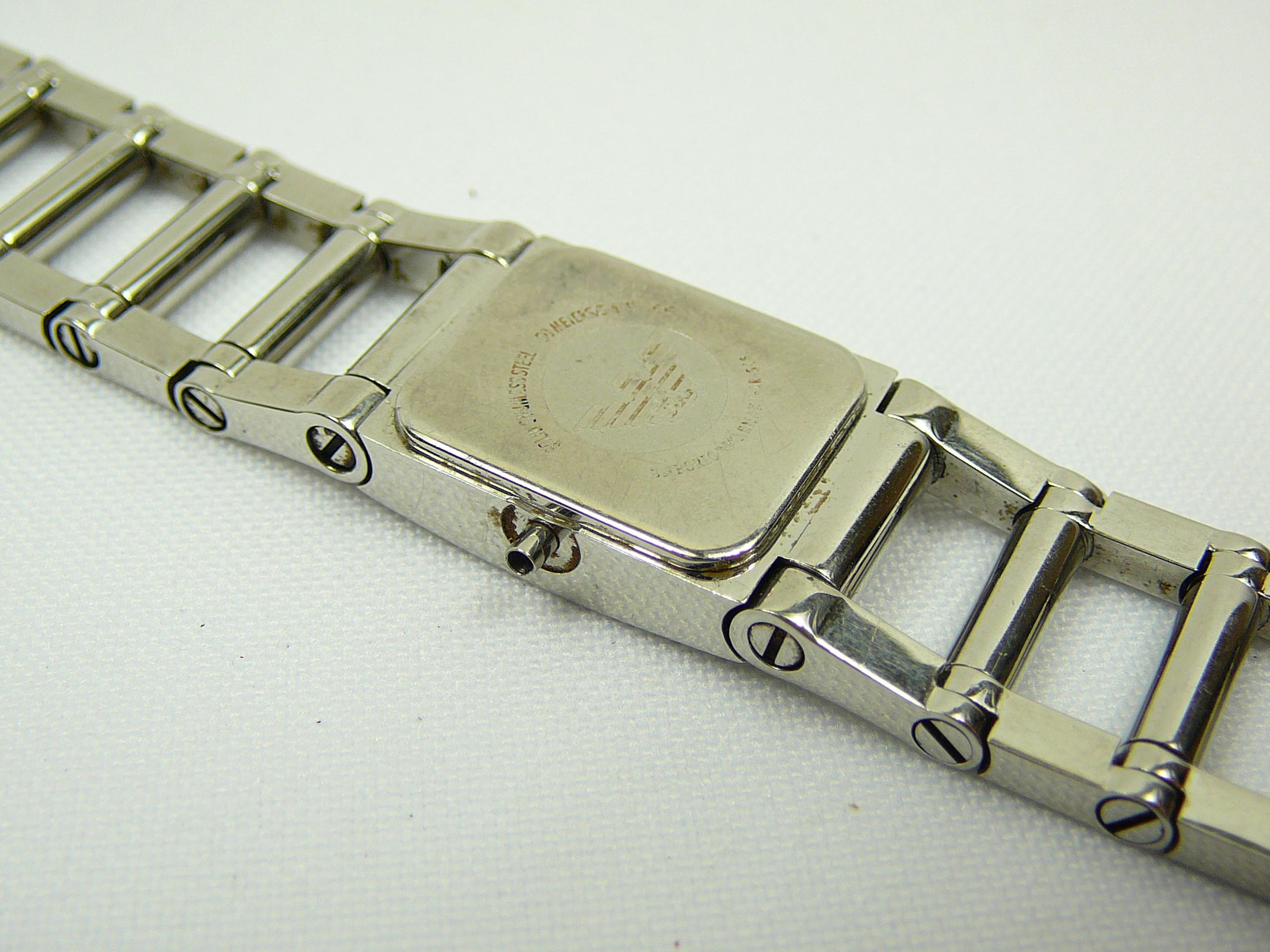 Lot 16 - Ladies Emporio Armani wrist watch