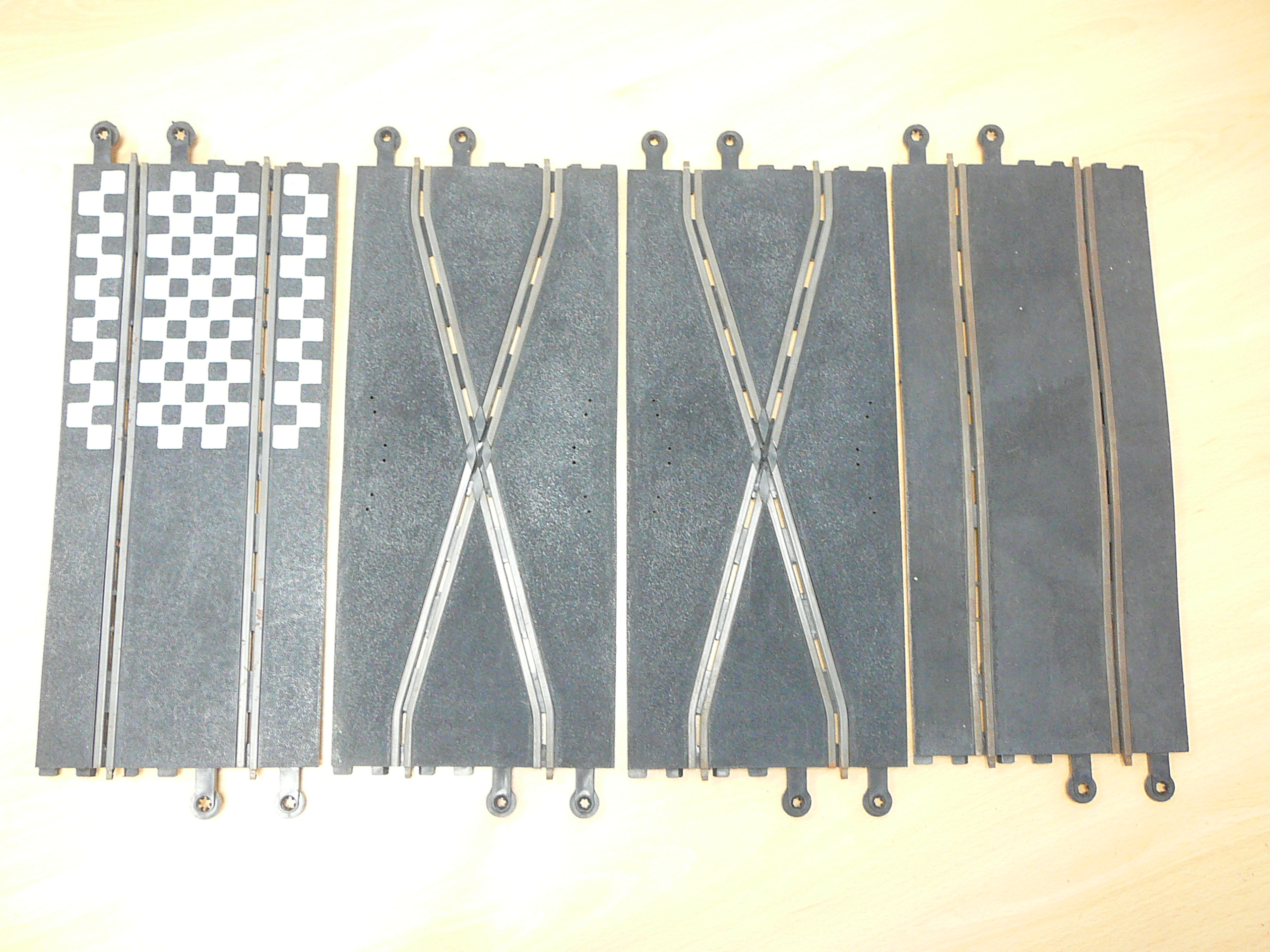 Lot 414 - Vintage Scalextric track