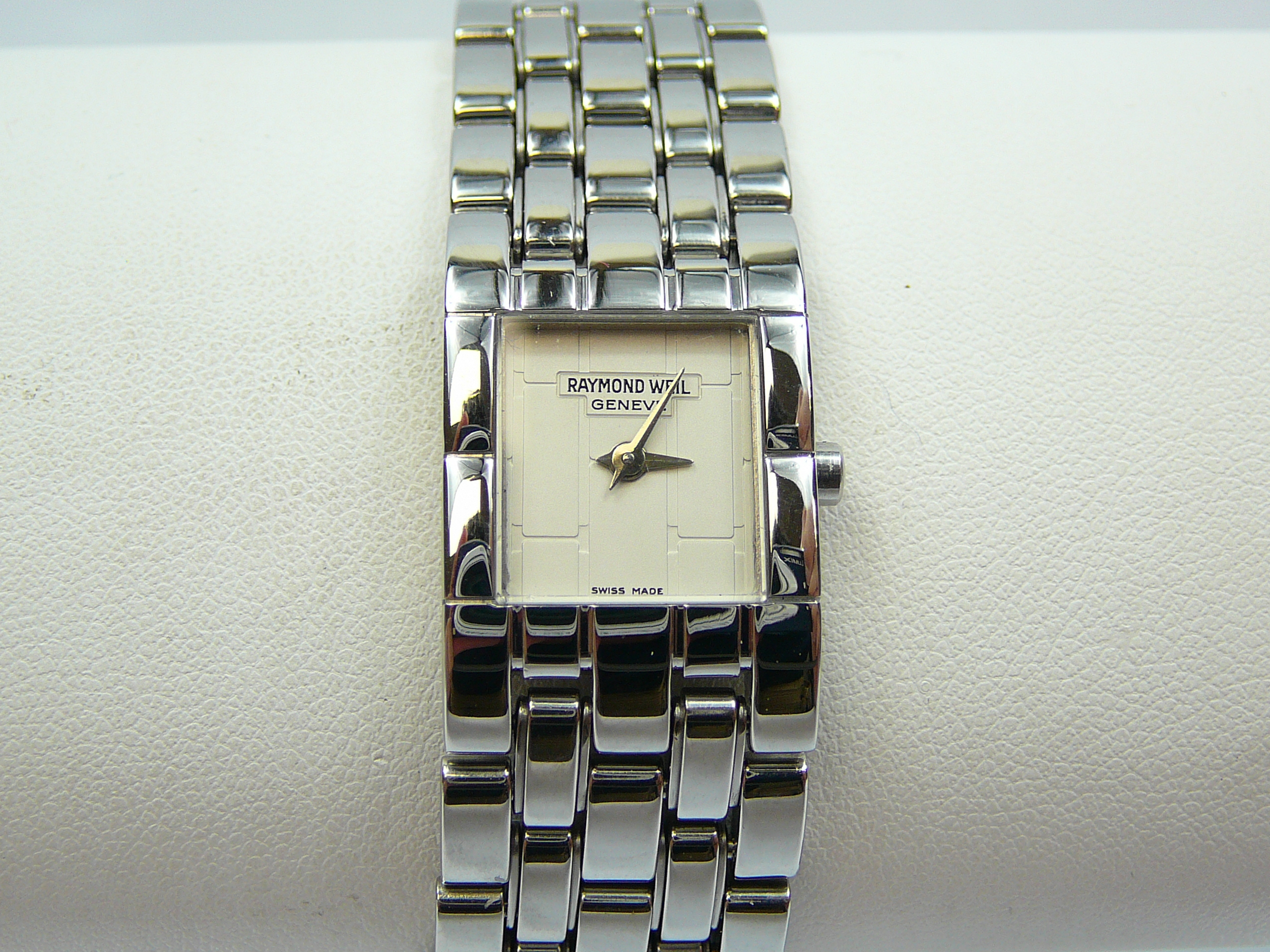 Lot 6 - Ladies Raymond Weil Wrist Watch