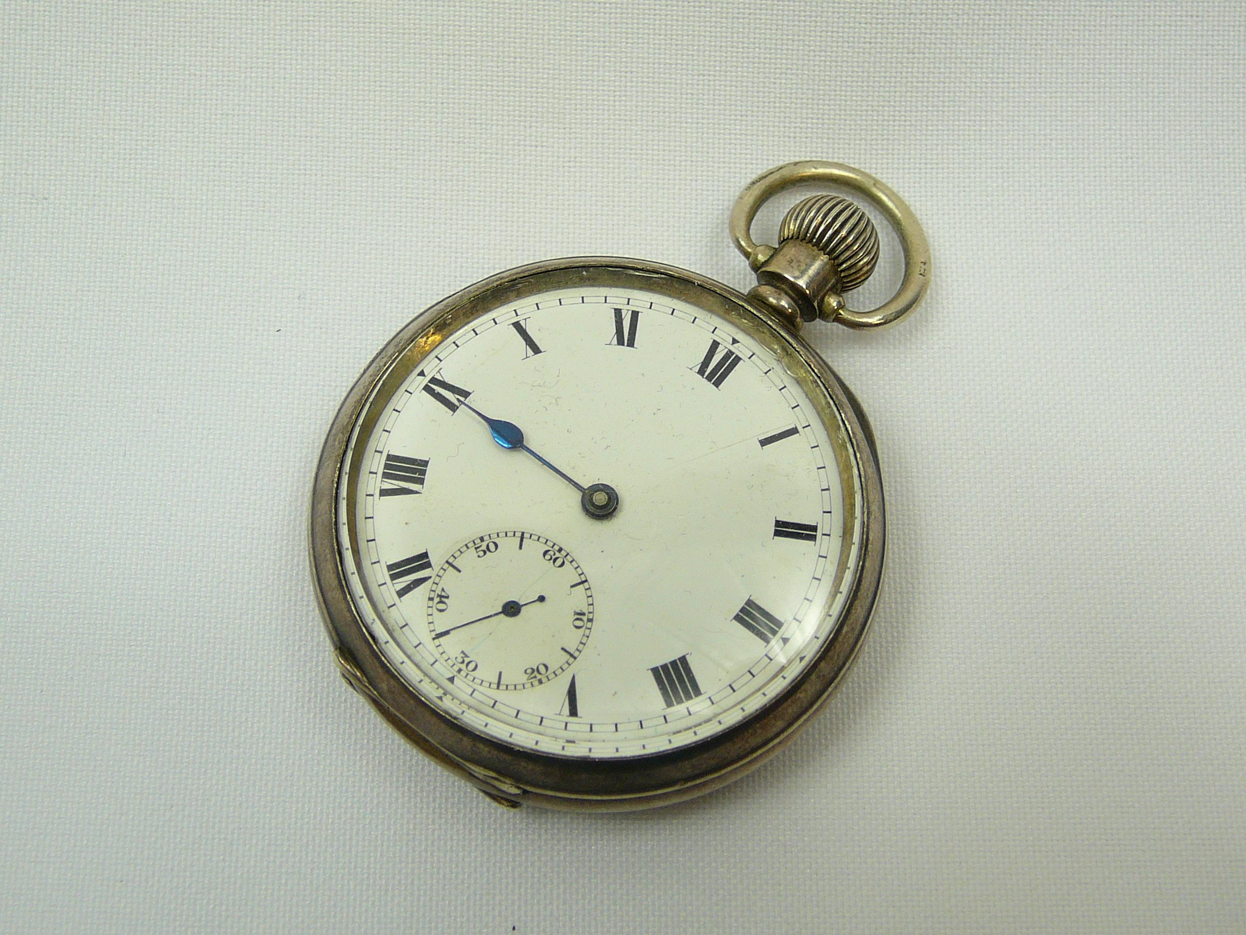 Lot 15 - Gents Silver Pocket Watch