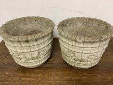 A pair of concrete planters W:39cm x D:39cm x H:32cm