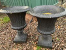 A pair of garden urns. W:60cm x D:60cm x H:76cm