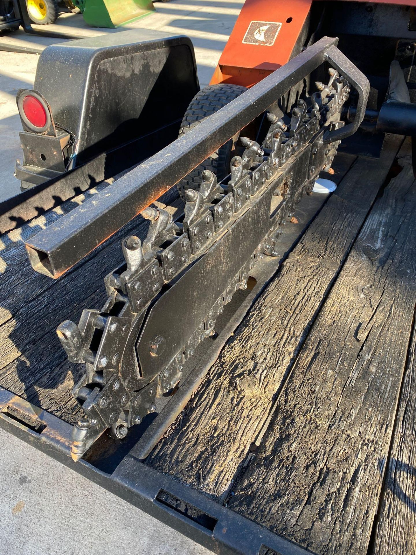 Lot 26A - DITCH WITCH 1420 RUBBER TIRED TRENCHER WITH SUPPORT TRAILER, RUNS AND OPERATES*BILL OF SALE ON TRAIL