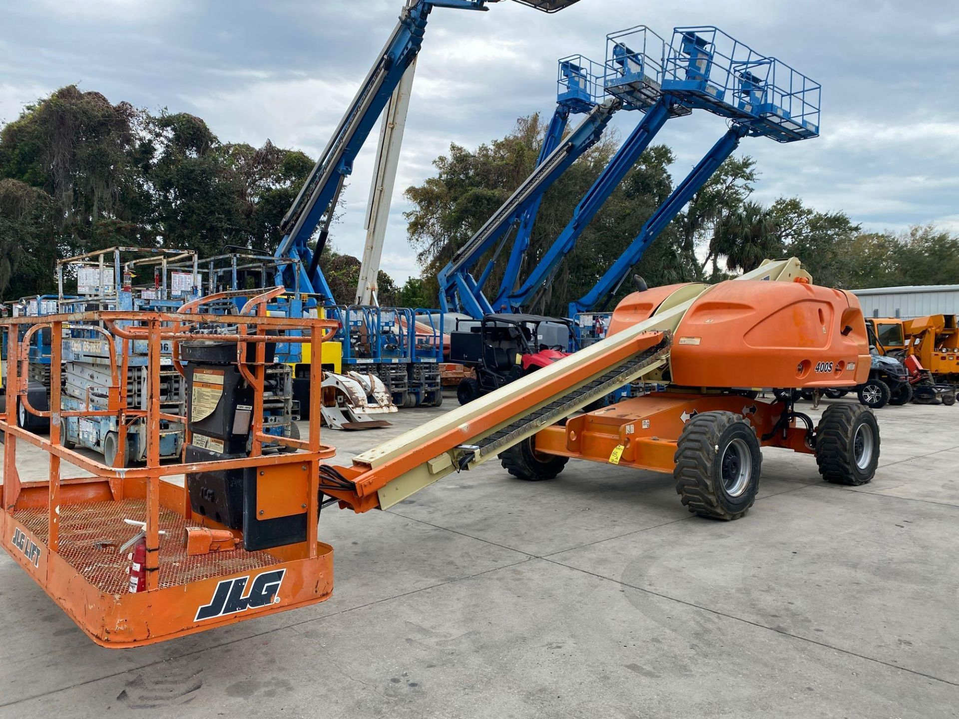 Lot 63A - JLG 400SDIESEL BOOM LIFT, 40' PLATFORM HEIGHT, 4X4, 366 HOURS SHOWING