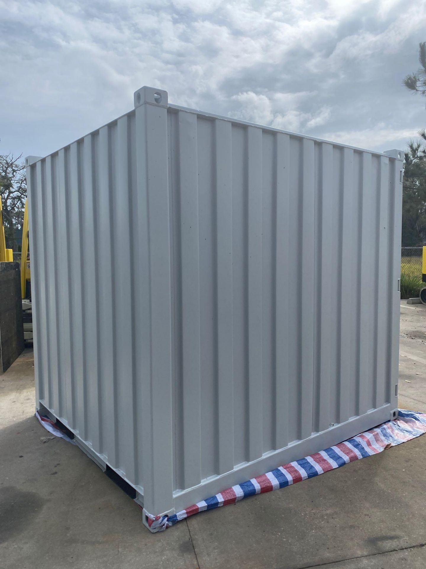 Lot 7A - NEW 7' MOBILE OFFICE/ STORAGE CONTAINER, BARN DOORS, SIDE DOOR, WINDOW, FORK POCKETS