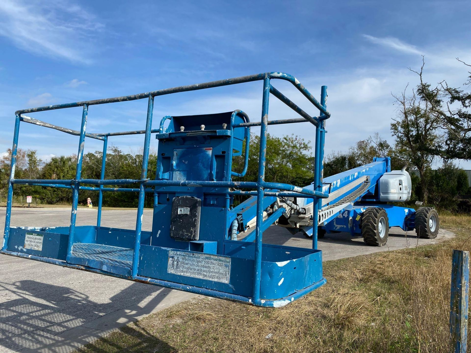Lot 67 - GENIE S125 BOOM LIFT 4x4, POWERED BY PERKINS DIESEL ENGINE, 125FL PLATFORM HEIGHT, RUNS AND OPERATES