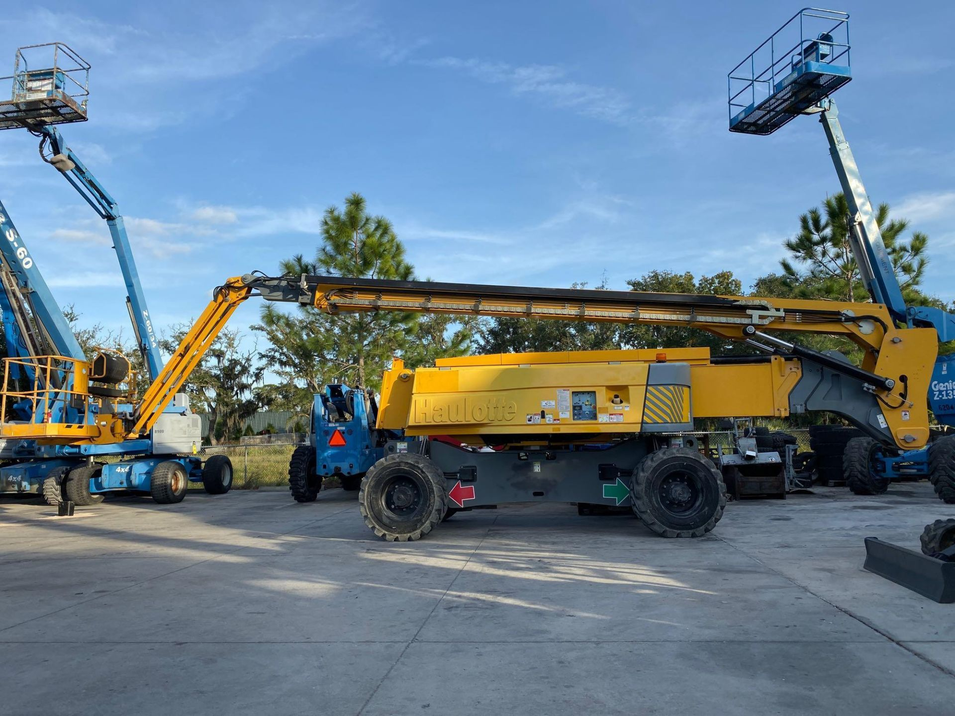 Lot 67A - 2015 HAULOTTE HA130 RTJ PRO ARTICULATING DIESEL BOOM LIFT, 130' PLATFORM HEIGHT, 4x4