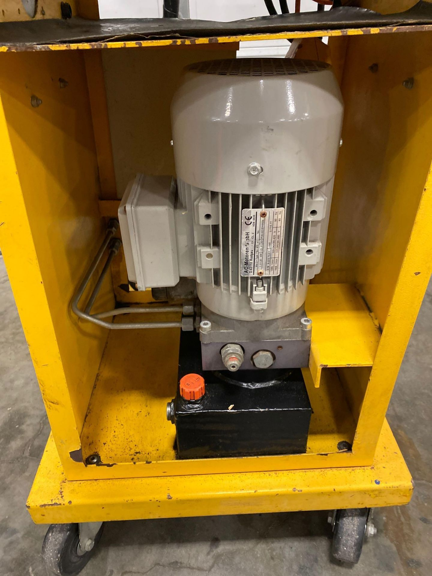 Lot 12C - 2013MOBILE HYDRAULIC PIPE BENDER, PUMP, TANK, PENDANT CONTROLLER, RUNS AND OPERATES